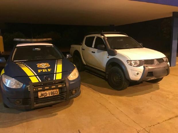 O condutor declarou que pegou o veículo na cidade de São Paulo/SP, e levaria até Corumbá/MS