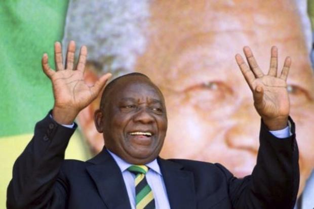 Segundo autoridades sul-africanas, oito pessoas já foram presas durante uma investigação envolvendo à família Gupta, ligada a Zuma