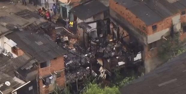 O chamado era para um incêndio em uma residência na Rua Ministro Guimarães Natal, altura do número 126, no Parque Jabaquara, próximo ao bairro Campo Belo