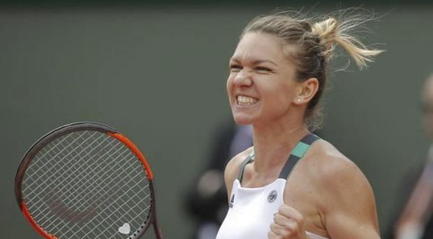 Hoje a número 1 do mundo, Wozniacki ficou em quadra por apenas 57 minutos, tempo que foi suficiente para ela despachar a alemã Carina Withoeft, a 52ª colocada no ranking, por 6/2 e 6/0