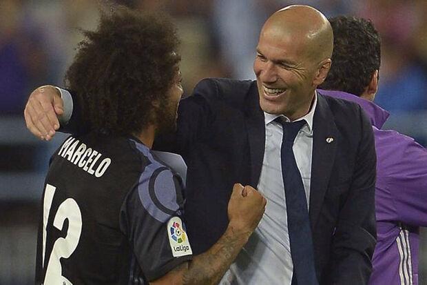 O lateral ainda aproveitou a entrevista coletiva desta terça para dizer que os jogadores estão com Zidane até a morte ao defender o trabalho que o francês vem realizando nos últimos anos à frente da equipe