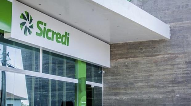 O Sicredi é uma instituição financeira cooperativa comprometida com o crescimento dos seus associados e com o desenvolvimento das regiões onde atua.