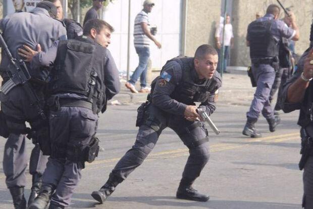 O sargento foi levado para o Hospital Municipal Salgado Filho, mas não resistiu aos ferimentos