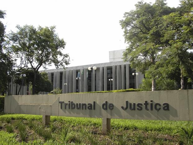 O juiz determinou então o pagamento de R$ 60 mil, referente aos 10 meses de shows não agendados, bem como da multa contratual no valor de R$ 15 mil
