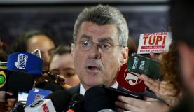 Brasília - O líder do governo no Senado, Romero Jucá (PMDB-RR), fala sobre acordo entre os presidentes da Câmara e do Senado para votar reforma da Previdência em fevereiro de 2018, após o fim do recesso parlamenta