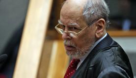 Brasília - O advogado do ex-presidente Luiz Inácio Lula da Silva, Sepúlveda Pertence, durante sessão no STJ para julgar o pedido de Lula para evitar prisão após condenação segunda instância (Jo