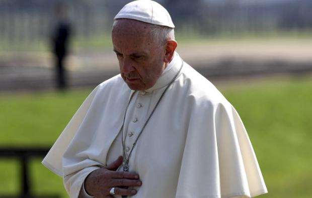 As manobras têm sido interpretadas como um esforço do papa em cimentar sua visão da Igreja