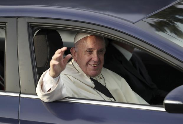 Segundo teólogos, esse tipo de presença - como a de divorciados e de casais homossexuais - nas paróquias mostra como, em geral, a Igreja Católica no Brasil tem entendido o discurso de acolhimento do papa