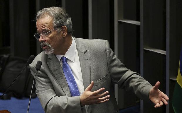 Jungmann afirmou que a intervenção não vai tolerar corrupção de agentes públicos ligados ao crime organizado e prometeu punição