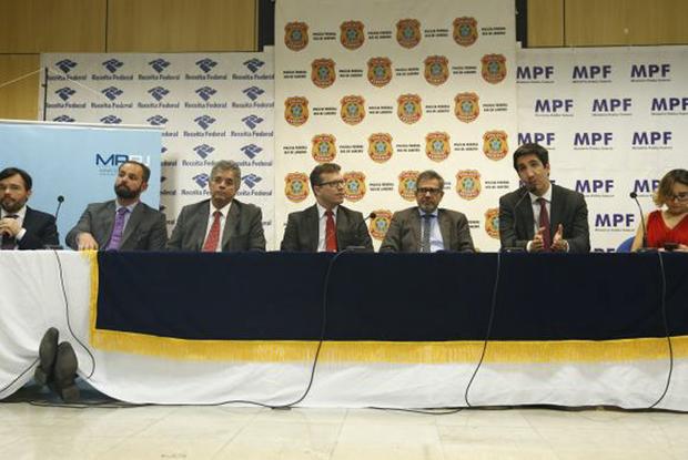 Representantes da Polícia Federal, da Receita Federal, do Ministério Público do Rio e do Ministério Público Federal, falam sobre Operação Pão Nosso