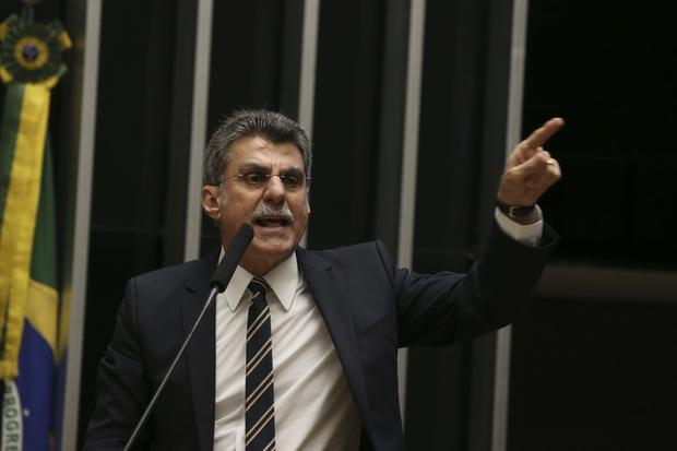 O líder governista evitou atacar os membros do STF