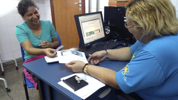 O responsável pelo Cartão SUS em Campo Grande, Flávio Kenzo Miyashiro, garante que a descentralização beneficia o paciente