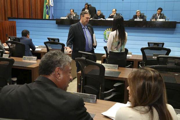"""""""Sensibilizado pelas argumentações da deputada Mara Caseiro [PSDB], o governador Reinaldo Azambuja compreendeu a importância do projeto"""", afirmou"""