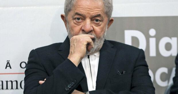 A defesa do ex-presidente sustenta que Lula e seu filho não participaram ou tiveram conhecimento dos atos de compra dos caças suecos