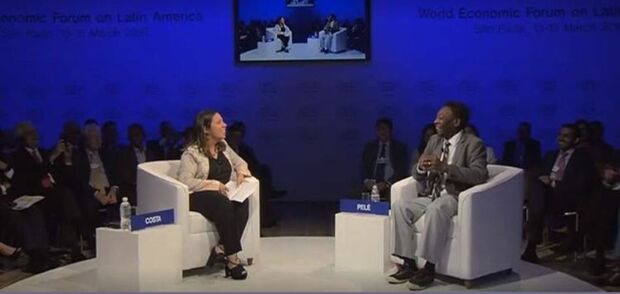 Ana Clara Costa, da Veja Online, entrevista Pele no Fórum Econômico Mundial