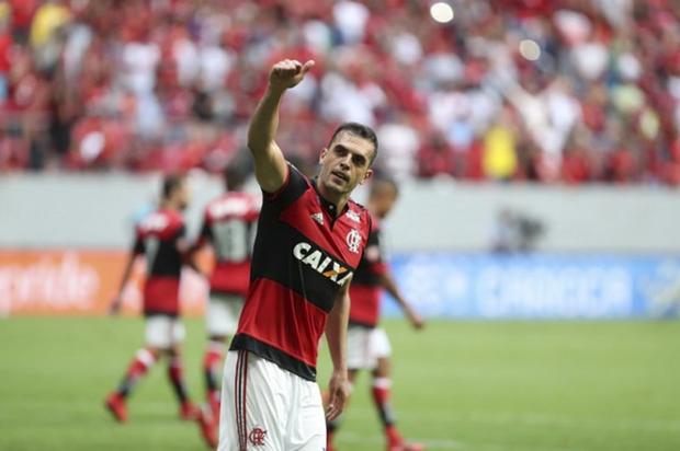 Após tropeçar na estreia, ao empatar por 2 a 2 com o River Plate, em casa, Rhodolfo quer ver o Flamengo entrar em campo com a obrigação de vencer, apesar da pressão da torcida equatoriana