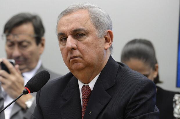 Bumlai disse que foram discutidos assuntos políticos diversos. Segundo o pecuarista, Delfim Netto falou sobre a questão da formação de consórcios envolvendo a construção da Usina Hidrelétrica de Belo Monte