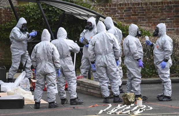 May anunciou ainda que o embaixador russo no Reino Unido foi convocado para dar explicações sobre o envenenamento e terá até o fim do dia de amanhã, 13 de março, para entregar a resposta oficial do governo de seu país