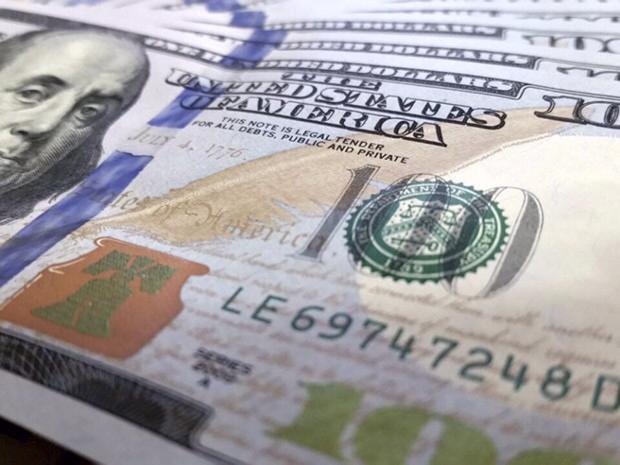 O dia apresentou um quadro misto, com o dólar sem um direcionamento muito claro no exterior e no Brasil. Com a agenda muito fraca, os mercados operaram em 'stand by', disse Ignácio Crespo, economista da Guide Investimentos