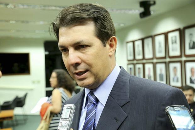 A legislação determina que, em função da intervenção federal na segurança pública do estado do Rio, o Congresso não pode promver alteração à Constituição, como é o caso da Reforma da Previdência