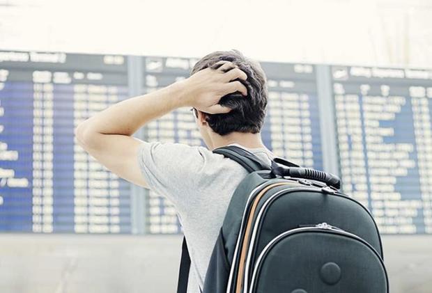 Segundo os autos, o autor alega que, ao tentar fazer check-in, os funcionários da empresa responsável pelo serviço informaram que os voos tinham sido cancelados e não souberam explicar o motivo que gerou tal ação