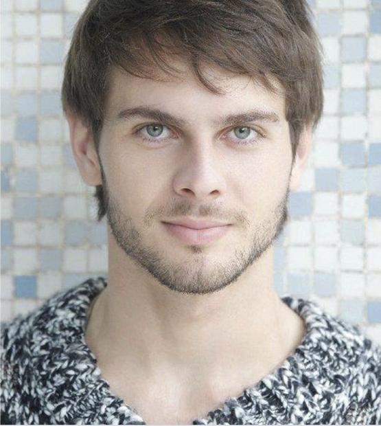 Ayrton nasceu no dia 20 de outubro em Aquidauana, situada a 139 quilômetros da capital de Mato Grosso do Sul