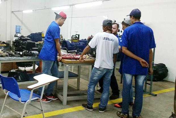 O interlocutor em Mato Grosso do Sul também ressalta que o programa prepara os alunos para o mercado de trabalho e, ao mesmo tempo, têm a chance de mostrar suas habilidades para os empresários envolvidos