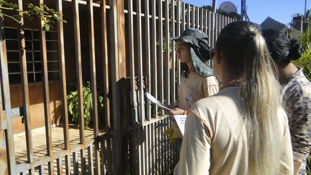 Atualmente, a Prefeitura de Campo Grande tem 1.387 agentes comunitários de saúde e 217 agentes de combate a endemias, que têm trabalhado bastante para a redução de casos de doenças provocadas pelo mosquito Aedes aegypti