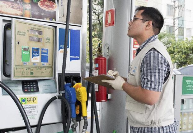 Em São Paulo, maior consumidor do País e com mais postos pesquisados, o litro da gasolina recuou 0,55% na semana passada, de R$ 3,992 para R$ 3,970, em média