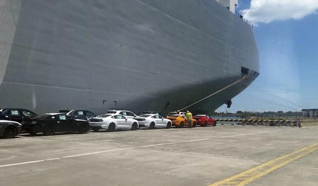 Desde o início da pré-venda, em dezembro, o Mustang lidera com folga o segmento de veículos esportivos e esportivos premium no Brasil, com mais de 200 unidades comercializadas até fevereiro