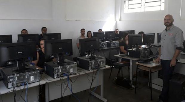 De acordo com o analista de treinamento da SpaceCom, José Alberi Fortes Júnior, o treinamento abordou ferramentas necessárias para capacitar os funcionários, permitindo o eficiente monitoramento de sentenciados