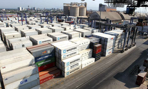 O País respondeu ainda por 19,8% das importações brasileira, atrás da União Europeia, com uma fatia de 20,7%