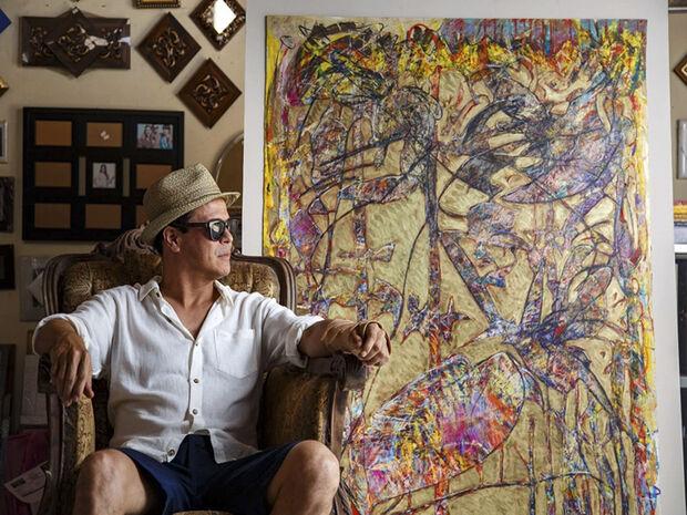 O artista está radicado em Paris desde 2009