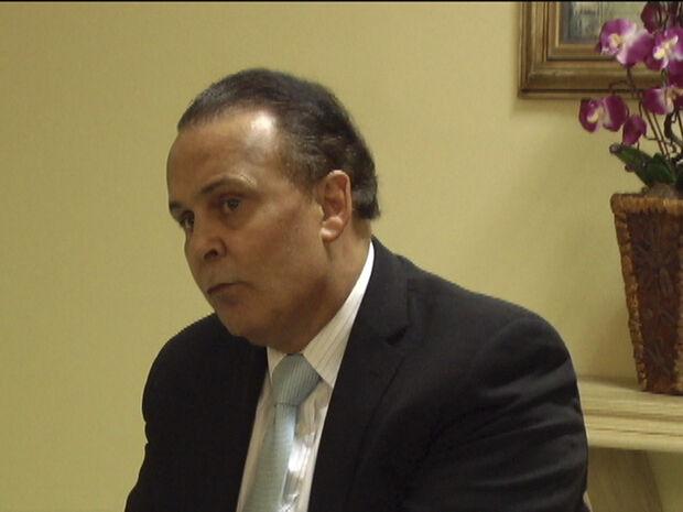 Dr. Lair Ribeiro, Palestrante internacional, ex-diretor da Merck Sharp & Dohme e da Ciba-Geigy Corporation, nos Estados Unidos, e autor de vários livros que se tornaram best-sellers no Brasil e em países da América Latina e da Europa