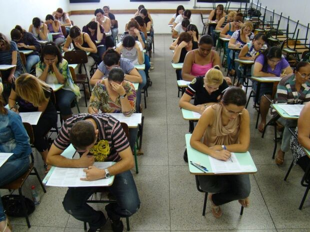 As vagas disponíveis são para cargos em diversos níveis de escolaridade