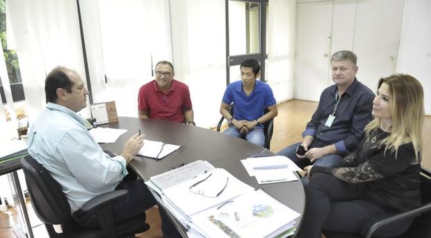 O diretor-presidente da Agraer, André Nogueira sinalizou positivamente quanto à possibilidade do uso dos equipamentos da Agência governamental