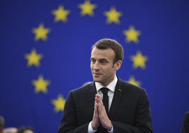 Macron ressaltou que os ataques aéreos foram especificamente voltados contra três locais de produção de armas, sem nenhuma perda humana