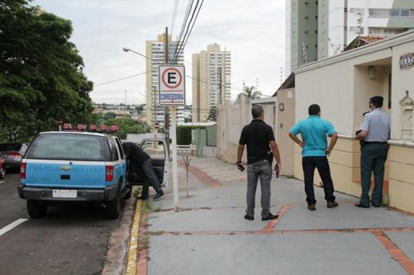 A operação mira policiais corruptos, mas a assessoria de imprensa do Gaeco não divulgou nenhum outro detalhe da ação e nem se todos os alvos dos mandados de prisão são PMs