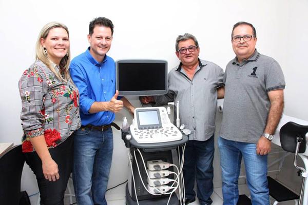 Deputado Renato Câmara, prefeito Jorge Takahashi durante entrega da moderna sala ultrassonografia em Batayporã