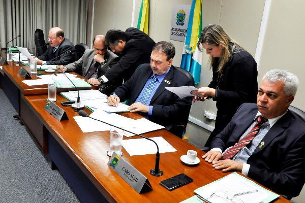 A reunião da CCJR ocorre todas as quartas-feiras, às 8h, no Plenarinho Nelito Câmara