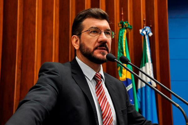 Deputado propôs ação do governo para combater depressão entre os estudantes da Rede Pública Estadual