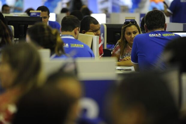 A 10ª edição do Feirão Caixa da Casa Própria acontece no Riocentro (Fernando Frazão/Agência Brasil)/17 15:38:47