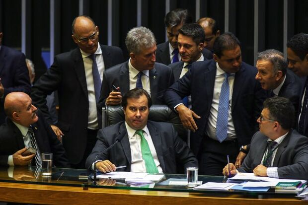 O presidente da Câmara dos Deputados, Rodrigo Maia durante aprovação de Medida Provisória sobre venda de petróleo do pré-sal./Fabio Rodrigues Pozzebom/Agência Brasil