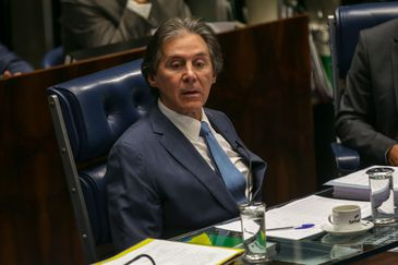 O presidente do Senado, Eunício Oliveira, durante sessão plenária que aprovou o PLC 19/2018, que cria o Sistema Único de Segurança Pública e a Política Nacional de Segurança Pública e Defesa S