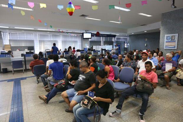 Brasilia - Com antecipação de saque do FGTS, agências da Caixa têm sábado movimentado (Valter Campanato/AgênciaBrasil)/Valter Campanato/AgênciaBrasil