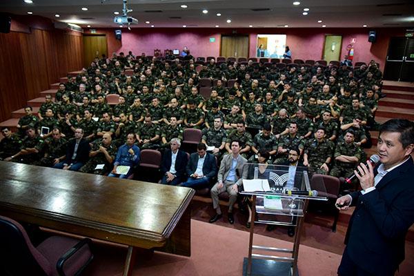 Ontem  (11), 130 alunos oficiais da Escola de Comando e Estado-Maior do Exército, do Rio de Janeiro (RJ), participaram da palestra ministrada pelo presidente do Sistema Famasul
