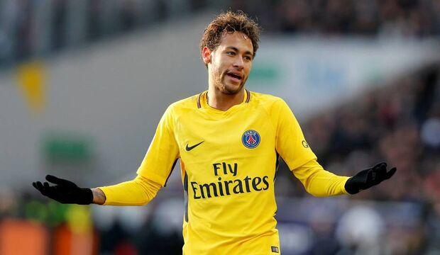 Neymar foi contratado pelo PSG junto ao Barcelona por números estratosféricos