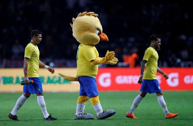 O mascote da seleção canarinho desfilou em Berlim arrancando aplausos dos torcedores/REUTERS/Wolfgang Rattay /Direitos Reservados