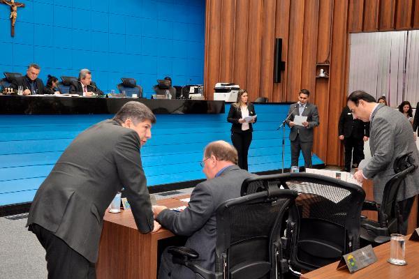Plenário da Assembleia; deputados começarão a analisar a proposta orçamentária