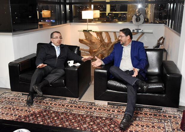 Presidente da FIEMS Sérgio Longen, o presidente da OAB/MS, Mansour Karmouche
